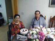 Семья: Отец-86 лет,  Мать-82 года (живет с родителями)